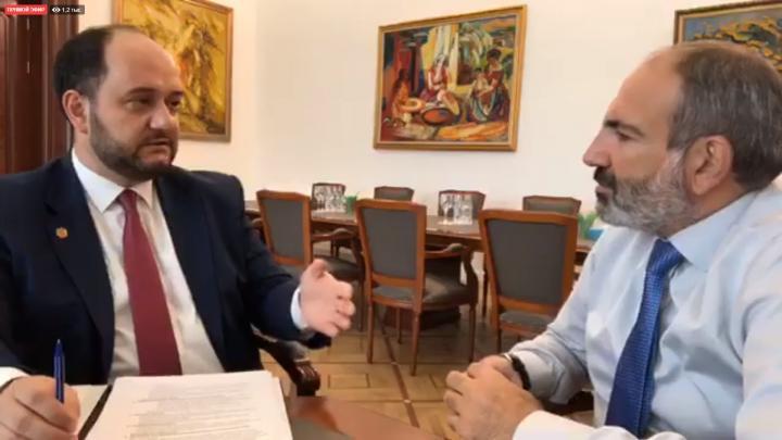 Նիկոլ Փաշինյանն ԱԺ-ում փակ հանդիպում է անցկացնում